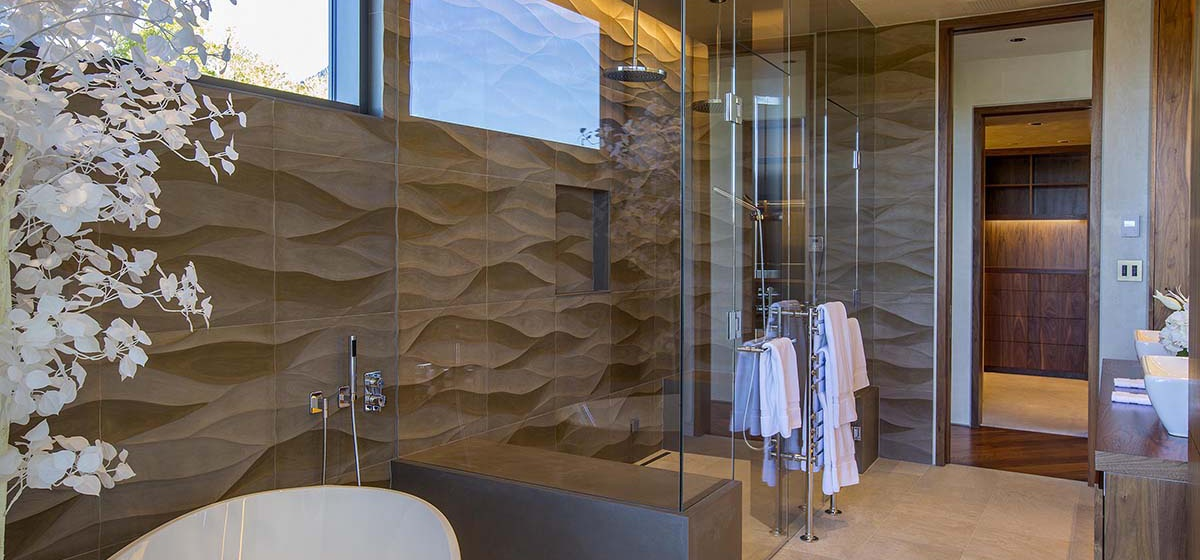 51-RemoteTelluride-SunsetRidge-Masterbathroom.jpg