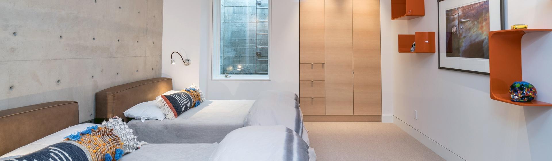 28-Telluride-The-Sunnyside-Downstairs-2-Full-Guest-Bedroom-Web.jpg