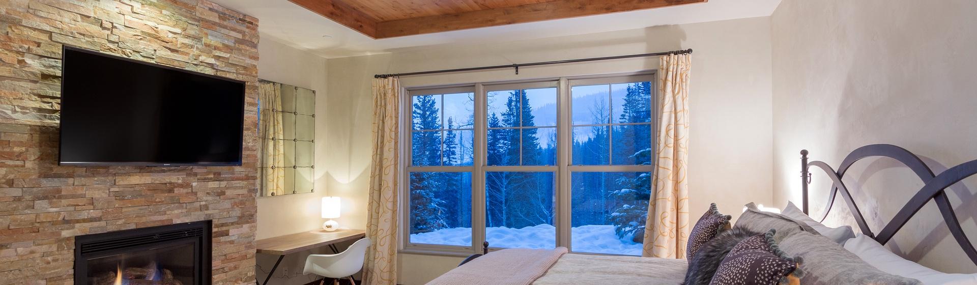 13-Telluride-Cassidy-Ridge-A103-Master-Bedroom-2-Web.jpg