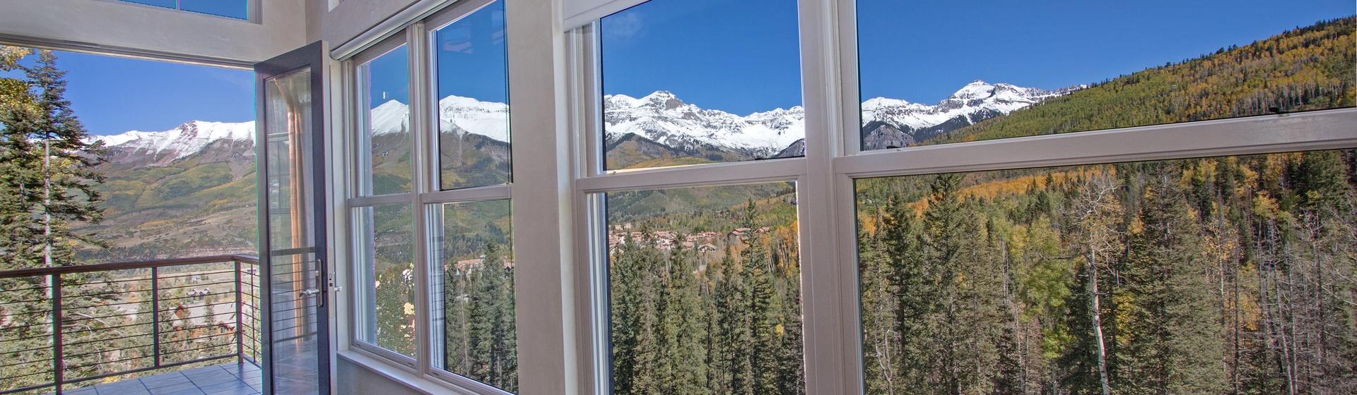 2.5-Telluride-Cassidy-Ridge-A103-Living-Area-View-Web.jpg