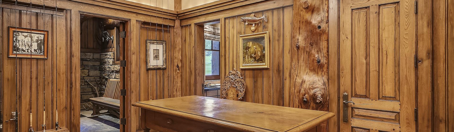 3.3-Telluride-Sleeping-Indian-Ranch-gun-room-1-web.JPG