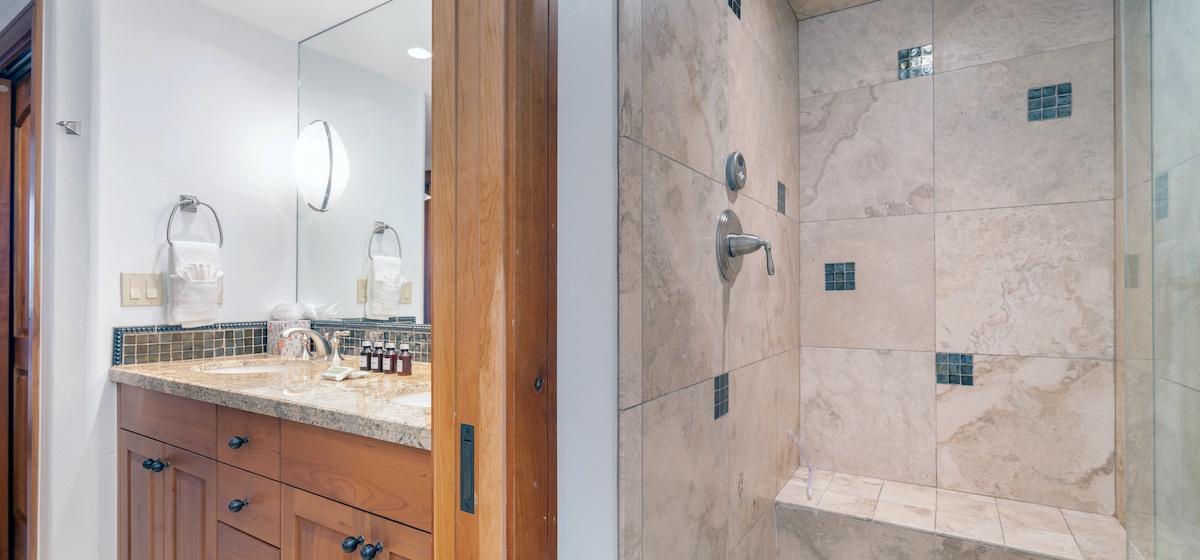 16-Telluride-Aspen-Overlook-Master-3-Bath-2-v12.jpg