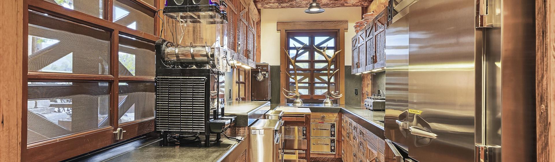 11.4-Telluride-Sleeping-Indian-Ranch-kitchen-service-web.JPG