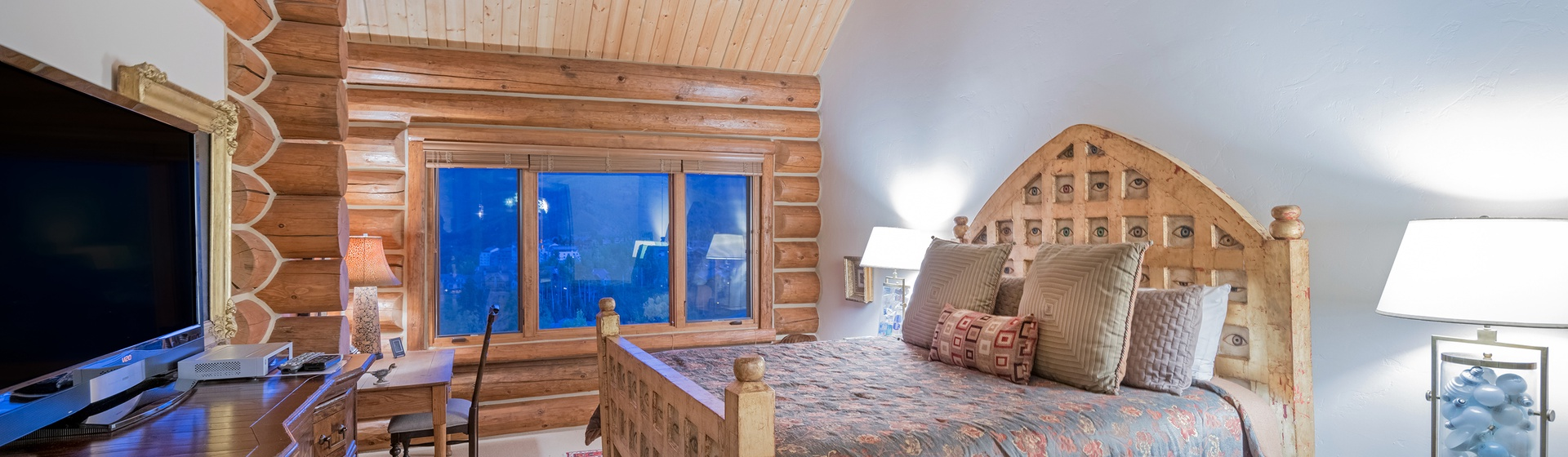 9.1-MountainVillage-Tristant115-Masterbed-WEB.jpg