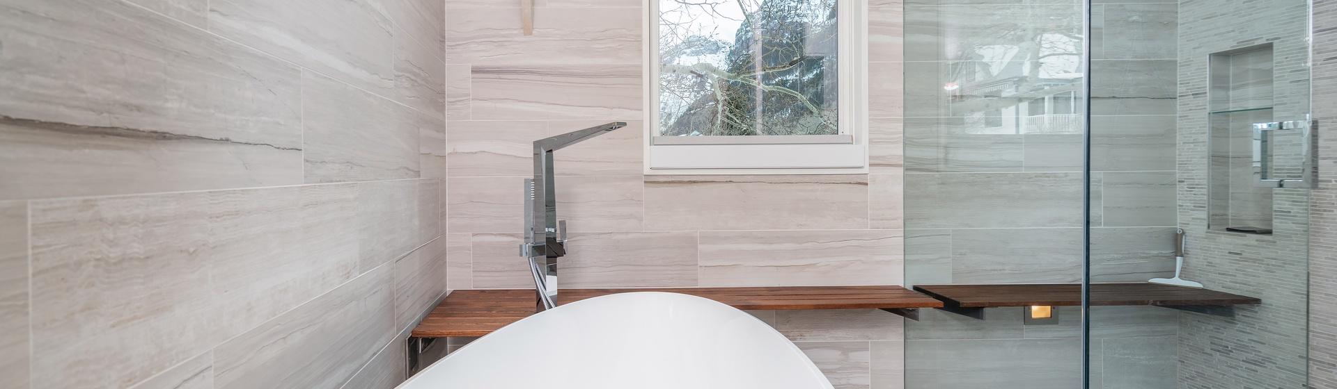 20-Telluride-The-Sunnyside-Master-Tub-Shower-Web.jpg
