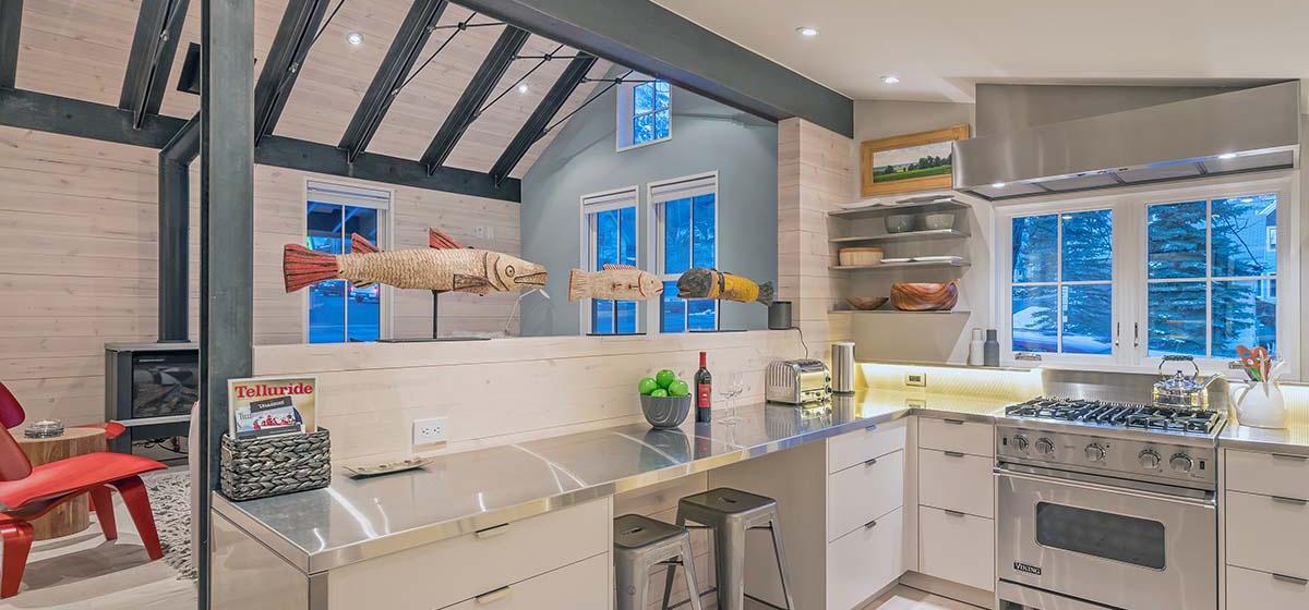 7-Telluride-LibertyBellHaus-Kitchen-V12.jpg