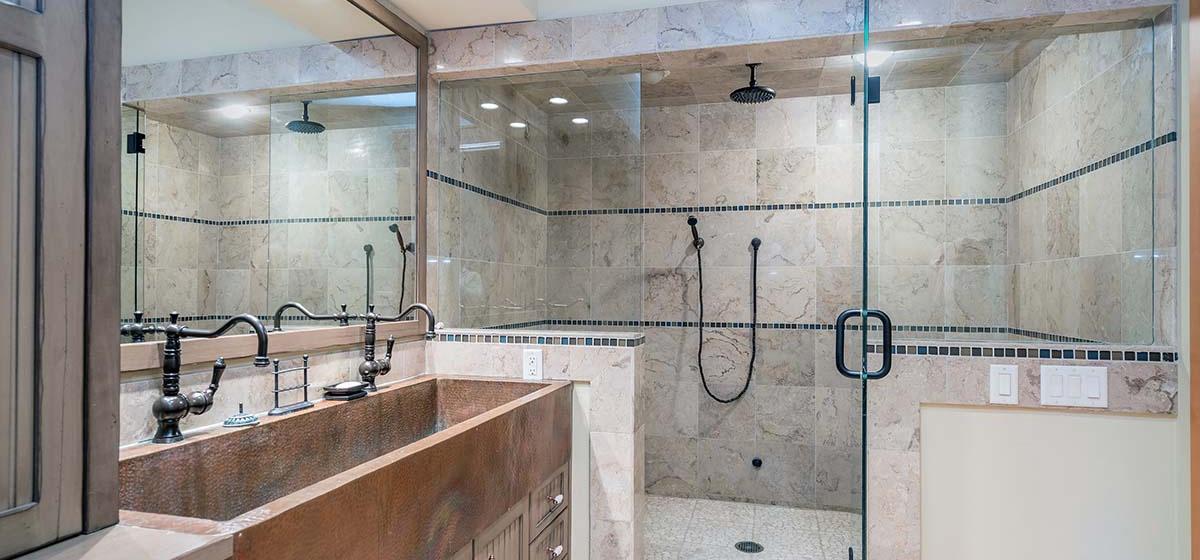 18-Telluride-Grand-Vista-Downstairs-Bunk-Bath-LR.jpg