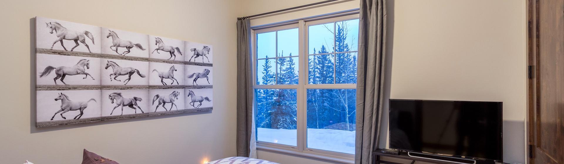 15-Telluride-Cassidy-Ridge-A103-Bedroom-4-Web.jpg