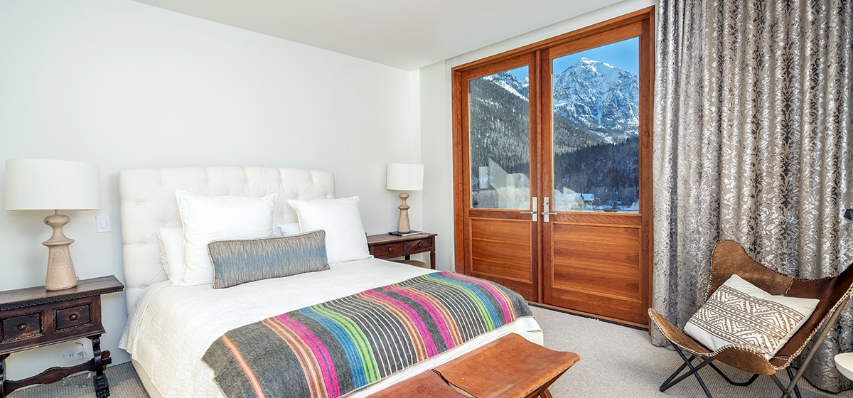 23-Telluride-Happy-Thoughts-Guest-Bedroom-3-v12.jpg