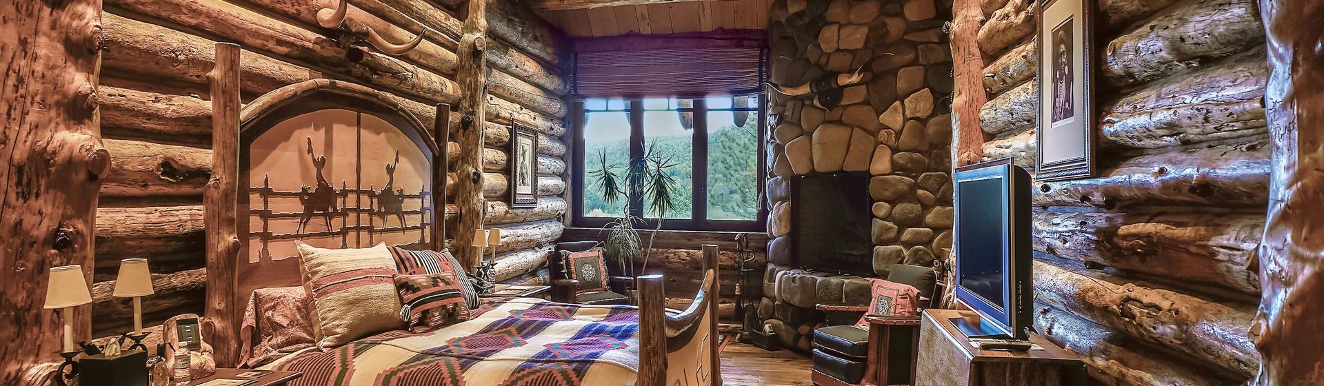 7.1-Telluride-Sleeping-Indian-Ranch-master-bedroom-C-web.JPG