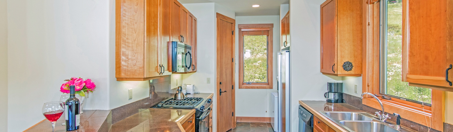 6-Telluride-Terraces-402-Kitchen.JPG
