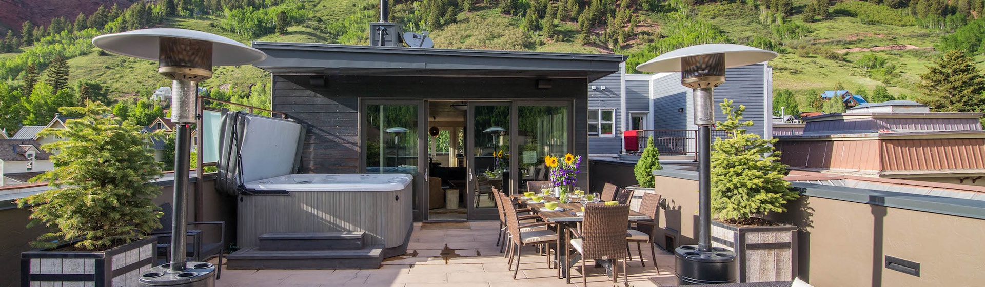 17-Telluride-Trulux-Penthouse-Deck.jpg