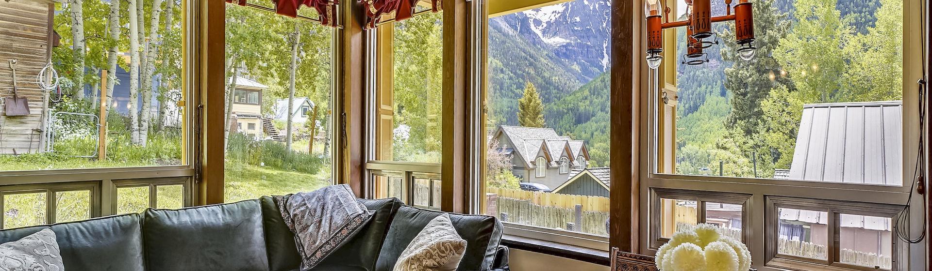 2.03-telluride-summer-haus-living-room-dining-view-web.jpg