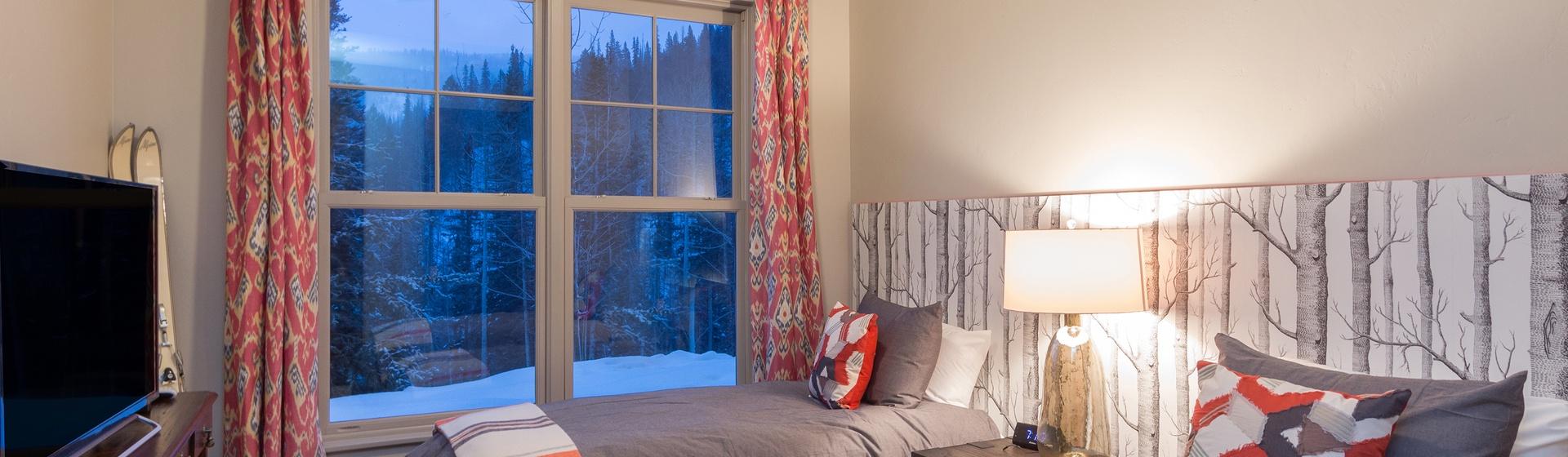 17-Telluride-Cassidy-Ridge-A103-Bedroom-3-Web.jpg