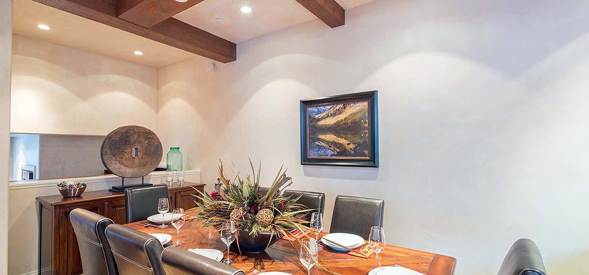 7-Telluride-HavenOnSouthOak-Dining-V12.jpg
