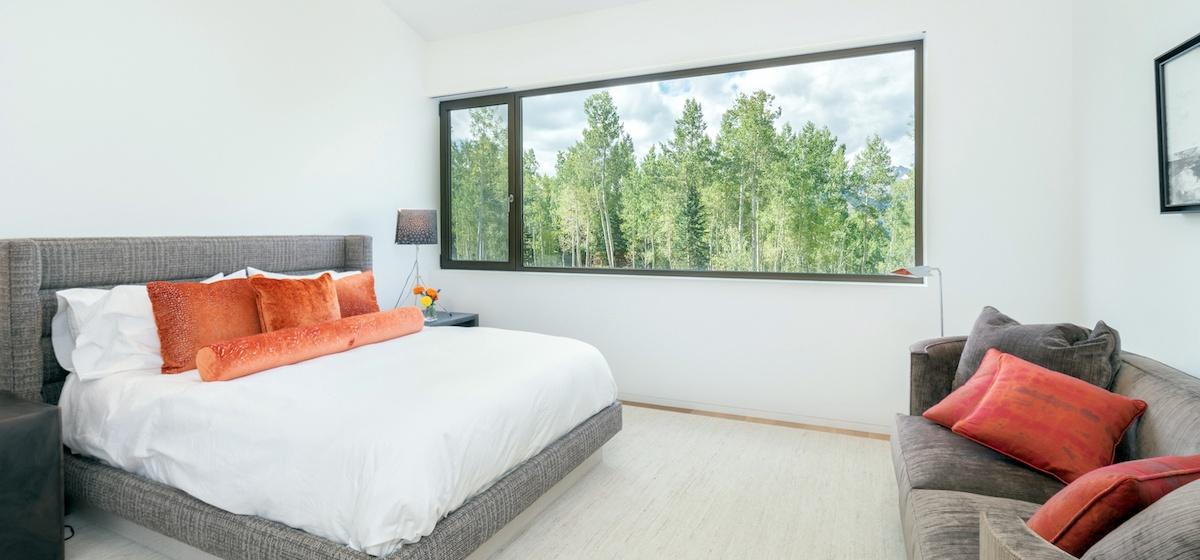 2.08-telluride-mountain-masterpiece-master-bedroom-4-V12.jpg