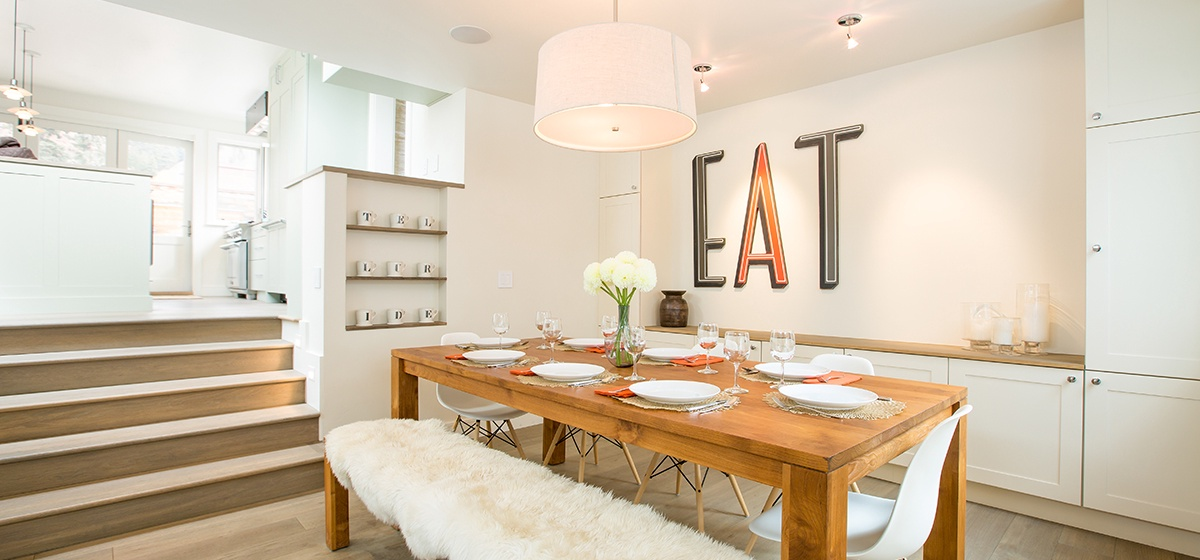 7-Telluride-Meribel-Penthouse-Dining-Room-Angle-v12.jpg