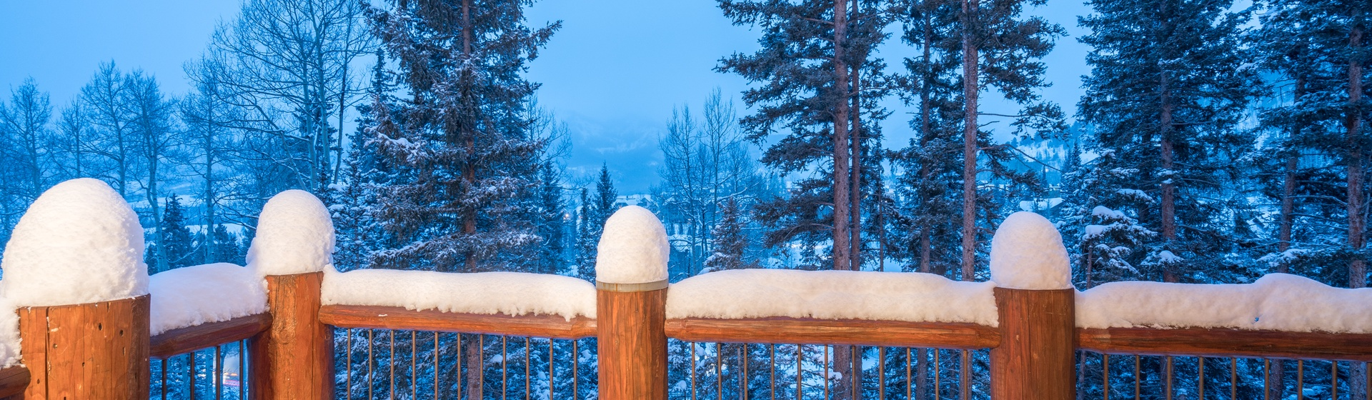 1.4-Telluride-Prospect-Falls-Living-Deck-view.JPG