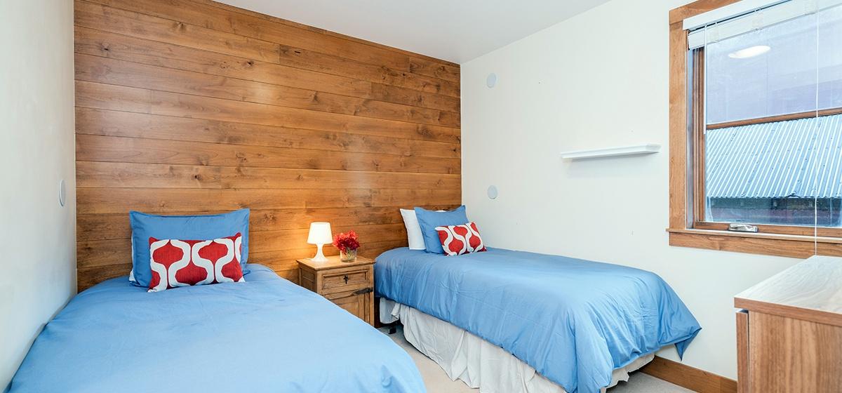 Copy of 10-Telluride-Skyline-at-Meribel-Guest-Bedroom-LR-V12.jpg