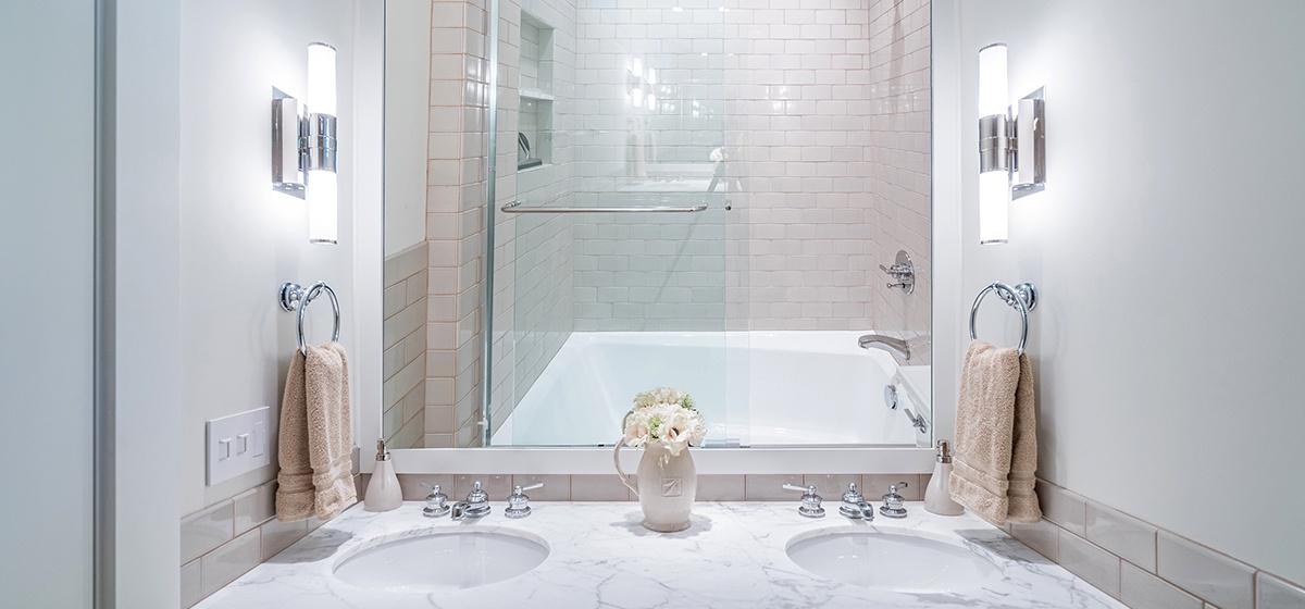 22-Telluride-SpruceHouse-GuestBathroom-V12.jpg