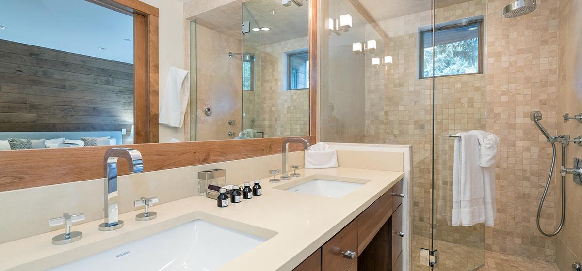 Copy of 9-Telluride-Skyline-at-Meribel-Master-Bathroom-LR-V12.jpg