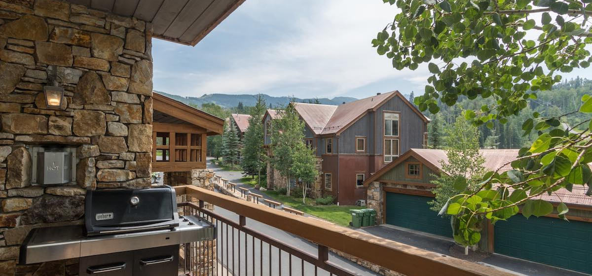 6-Telluride-Terraces-101-Deck.JPG