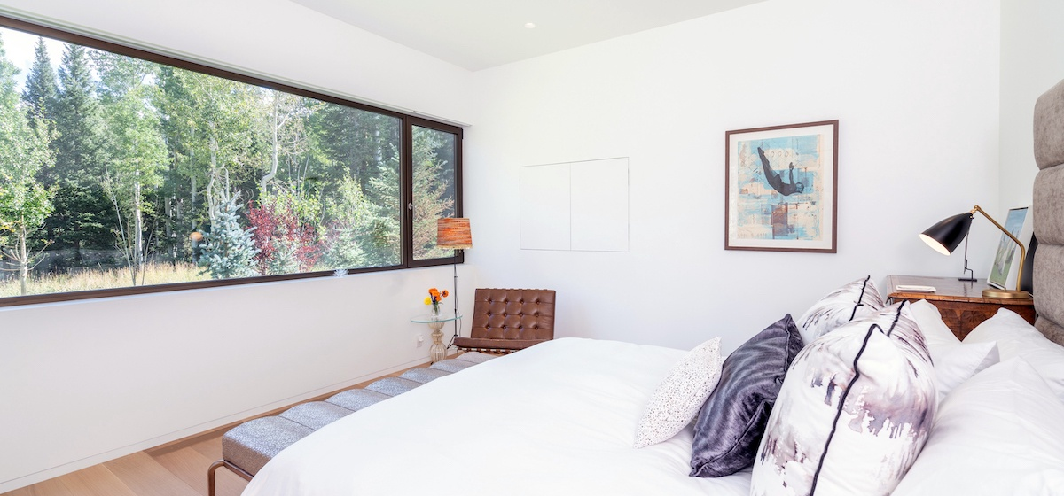 2.04-telluride-mountain-masterpiece-master-bedroom-2-V12.jpg