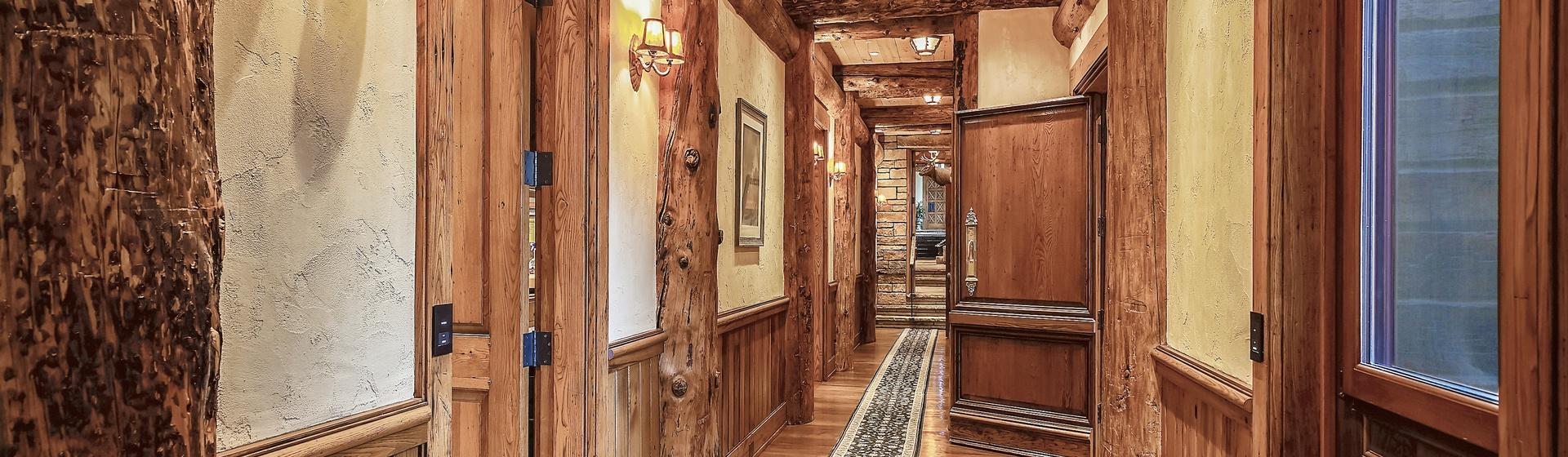 10.9-Telluride-Sleeping-Indian-Ranch-lower-level-hallway-web.JPG