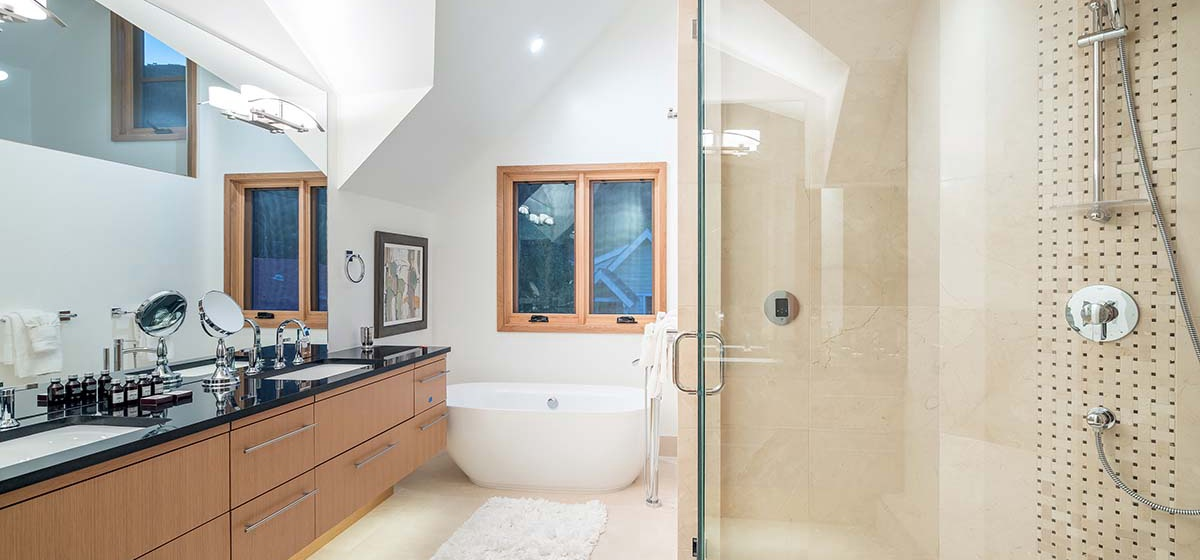 20-Telluride-Ironwood-MasterBath-V12.jpg