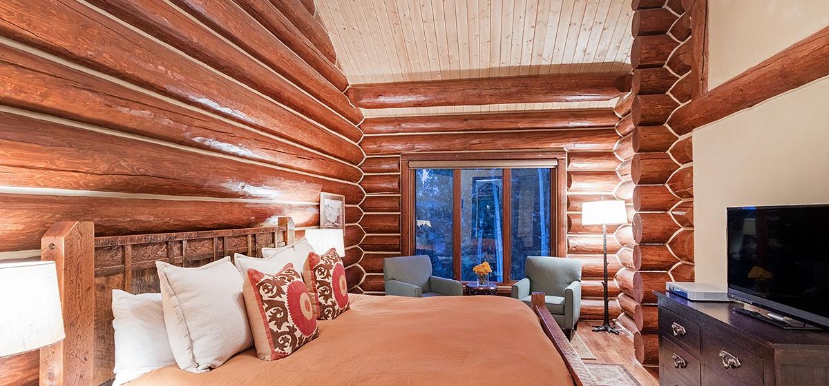 9-Mountain-Village-Tristant-#131-Master-Bedroom.jpg
