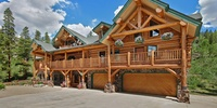 Lodge with beautiful wooden colors