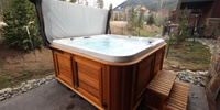 Hot tub with an amazing relaxing view