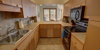 Kitchen with lots of space for making all your favorite foods