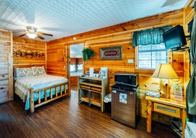 Sleepy Hollow Honeymoon Cabin