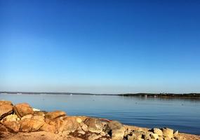 Lakefront Cabin 02