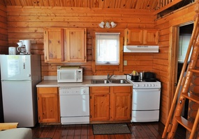 Lakefront Cabin 09