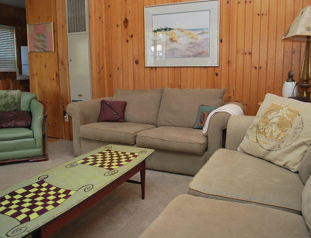 Living Room (Queen Hide-a-Bed)