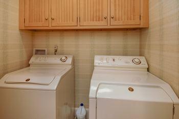laundryroom.jpg
