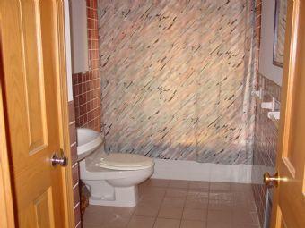 125-bathroom.jpg