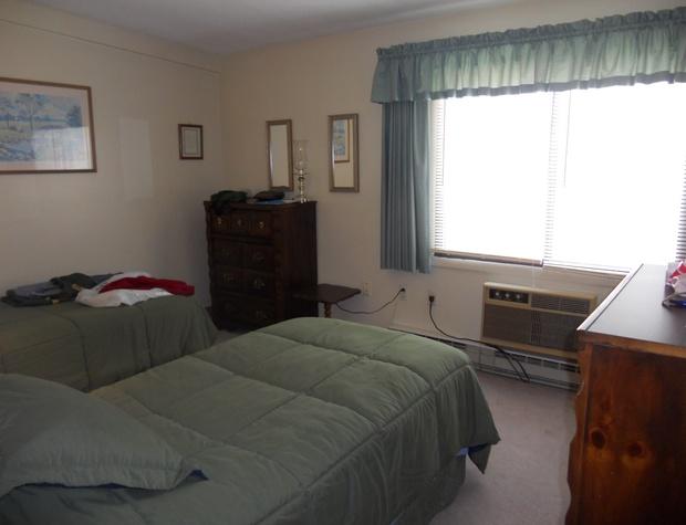Twin Beds Bedroom.JPG