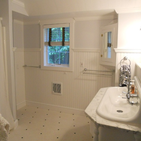 Bath Upper Level1.JPG