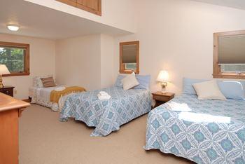carriagehousebedroom.jpg