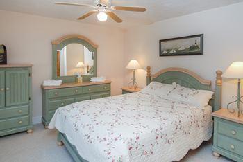 carriagehousebedroom1.jpg