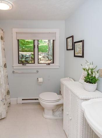 cottagebathroom.jpg
