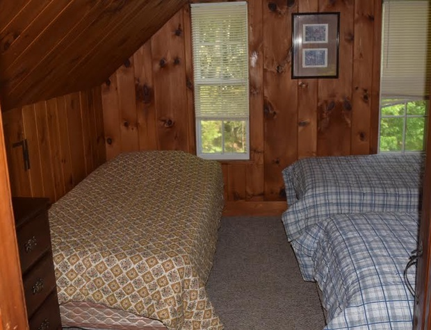 twins bedroom.jpg