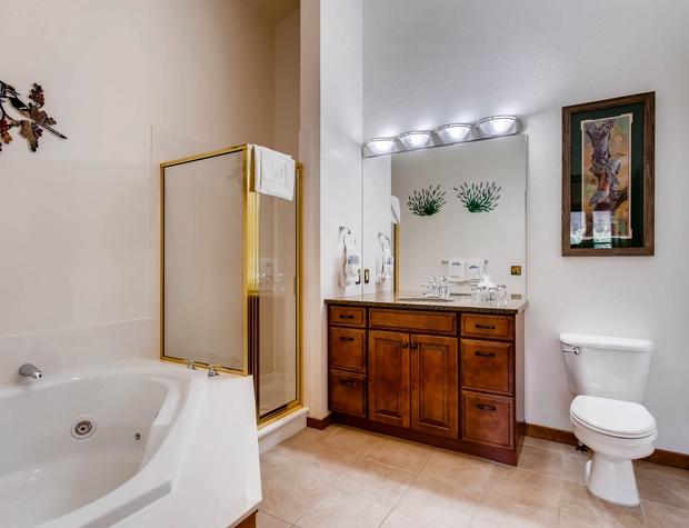 B4 - Bathroom