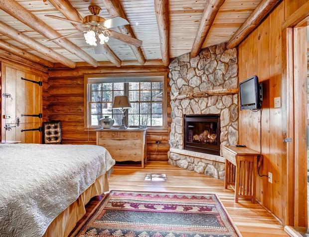 6 Cabin.jpg