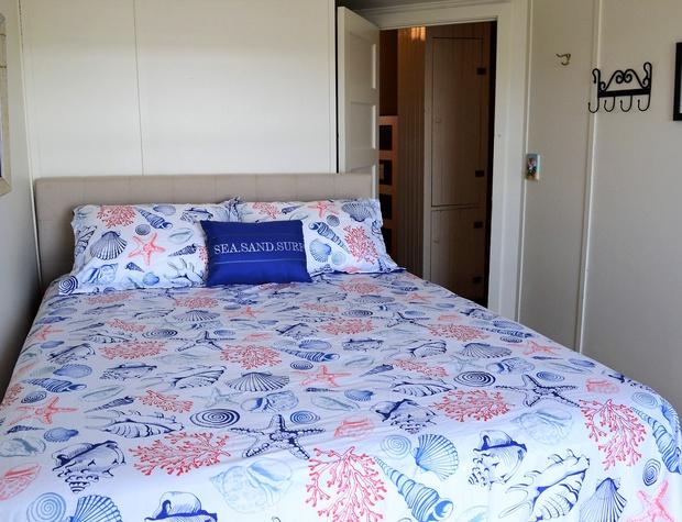 Queen Bedroom 2 (BR2)