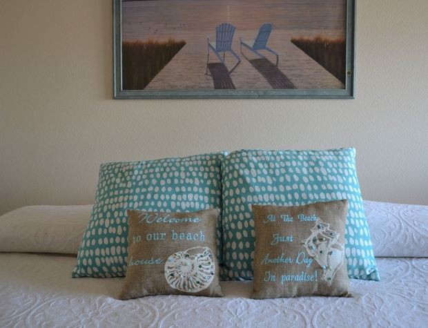 Upstairs King Bed with Twin