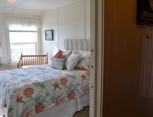 Enter Queen Bedroom 3